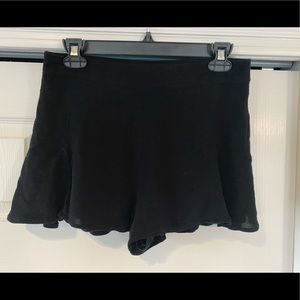 Black basic shorts